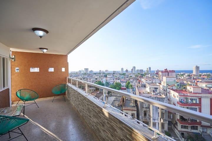 Luxury High Rise Apartment in Vedado, Havana