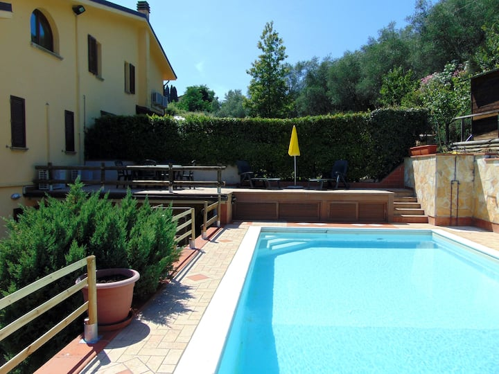Tuscan Villa with private pool (close to Florence)