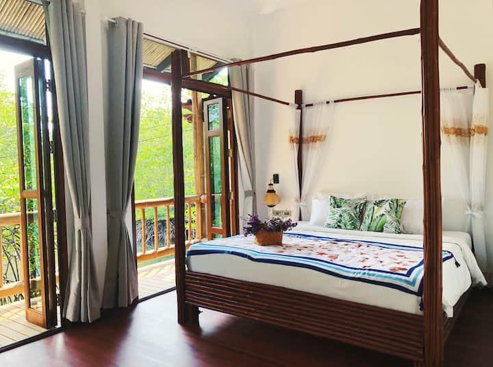 Overwater Villa, Double Bedroom (Mangrove View)
