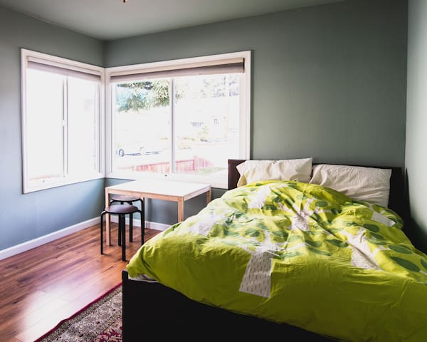 Cozy 1BR - A Hidden Gem - Your Home Away from Home