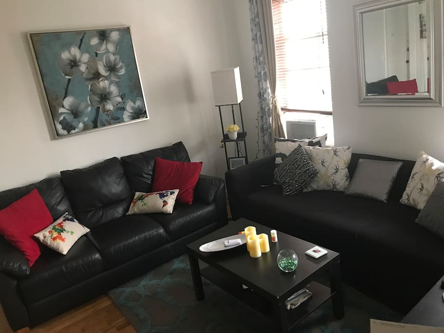 Spacious 1 bedroom in the heart of astoria apartments for Two bedroom apartments in queens