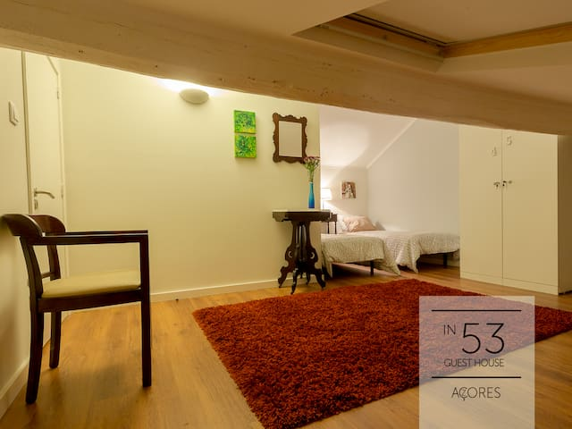 In53 Guest House - Twin Bed Room