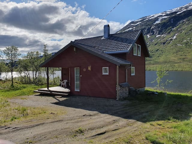 Fantastic cabin located near the water.
