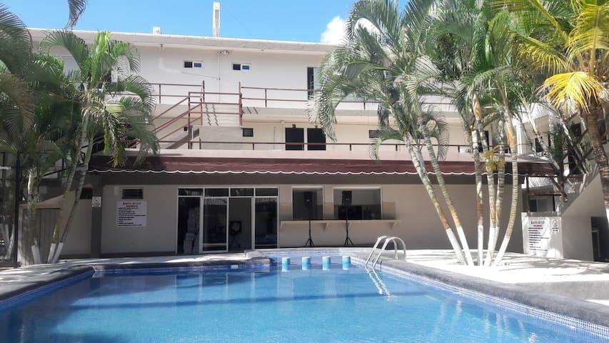Hotel Azteca Cancun