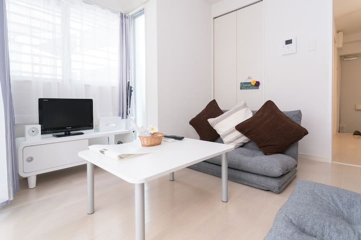 5 mins to Makishi st, Max 2 people, Free Wi-Fi, - Naha - Apartment