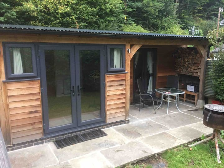Gelli lodge. Private hideaway in Knighton