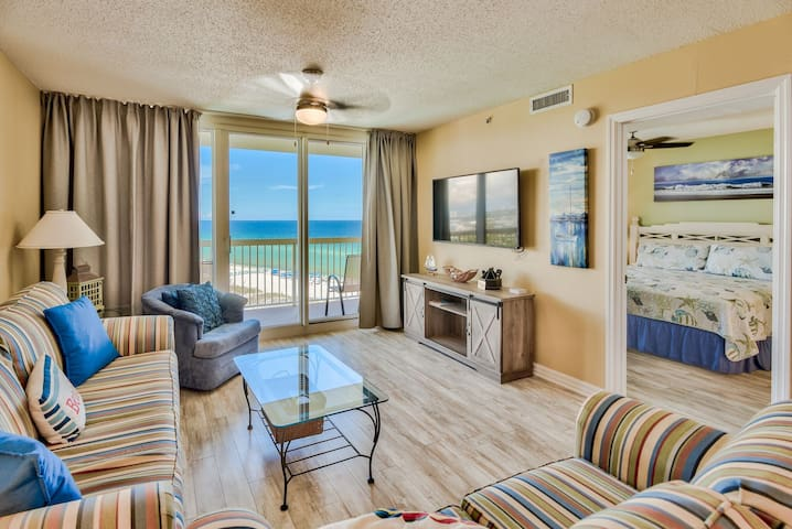 2 Bedroom Pelican Beachfront Condo w Ocean views.