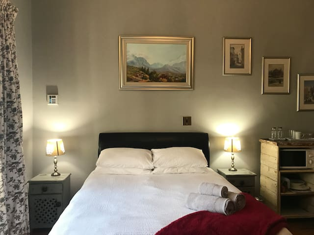 Old World Guest Room in Sea Point