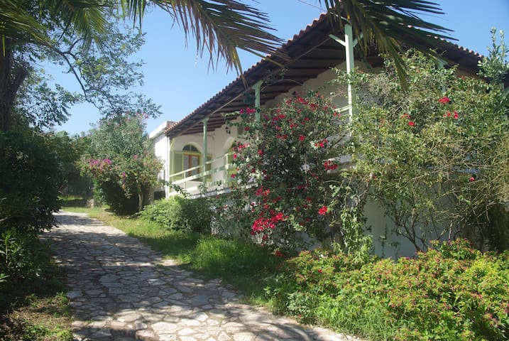 Koroni Holiday Agia 2 paradise next to the beach - Agia Triada - Departamento