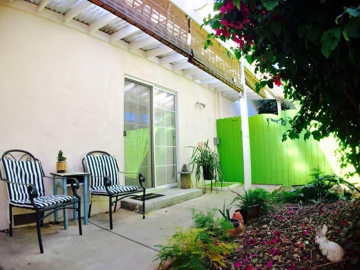 Private entrance, Lg Room w/ private bath & garden