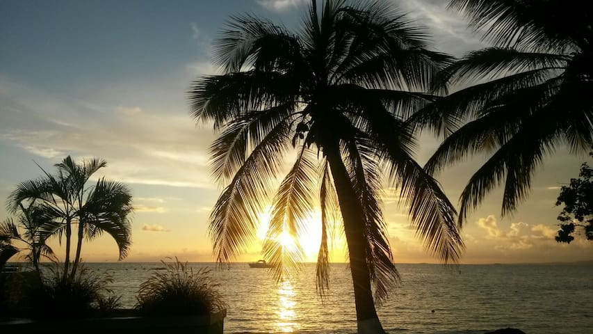 Playa Santa the place 2 be! Relax - Guanica - Casa