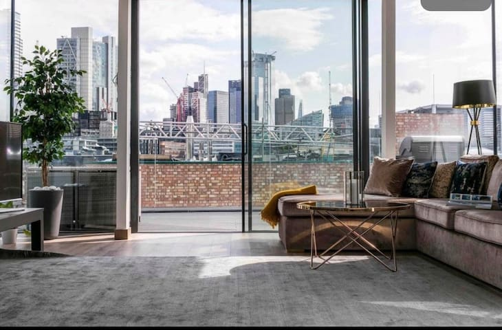 Luxury penthouse in the hear of the City