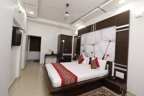 Luxury Double Bedded Non AC Room