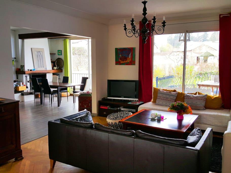 maison spacieuse et lumineuse maisons louer cholet pays de la loire france. Black Bedroom Furniture Sets. Home Design Ideas
