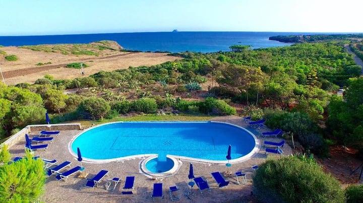 4+2 PAX House sea view, pool, 5 min walk to beach