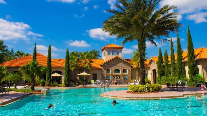 Amazing condo! Great location!  Resort living