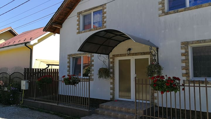 Casa cu Flori Apartament
