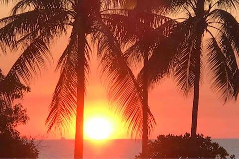 Amazing Location Sea Sunsets Nightcliff Foreshore