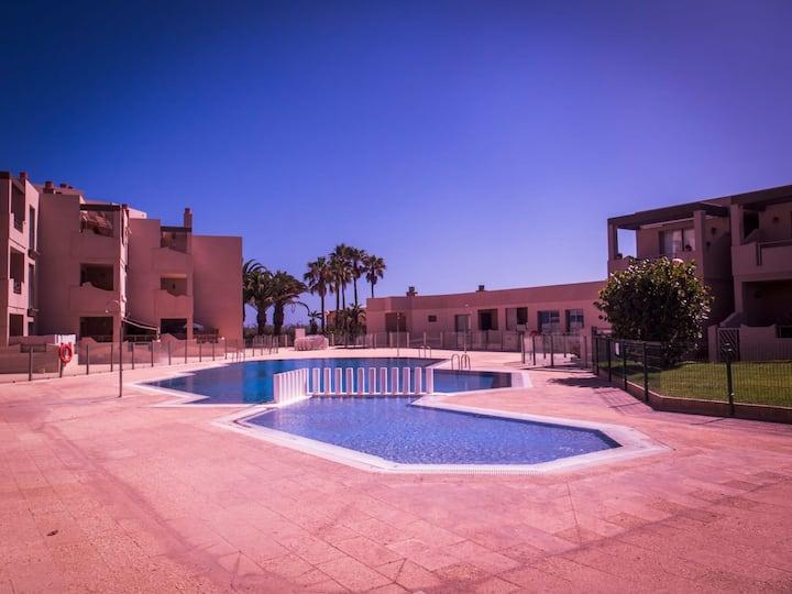 Habitación barata playa La Tejita. Piscina y más..