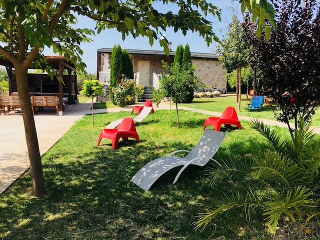 Chalet Logroño Gran barbacoa - Parking-Jardin-Wifi
