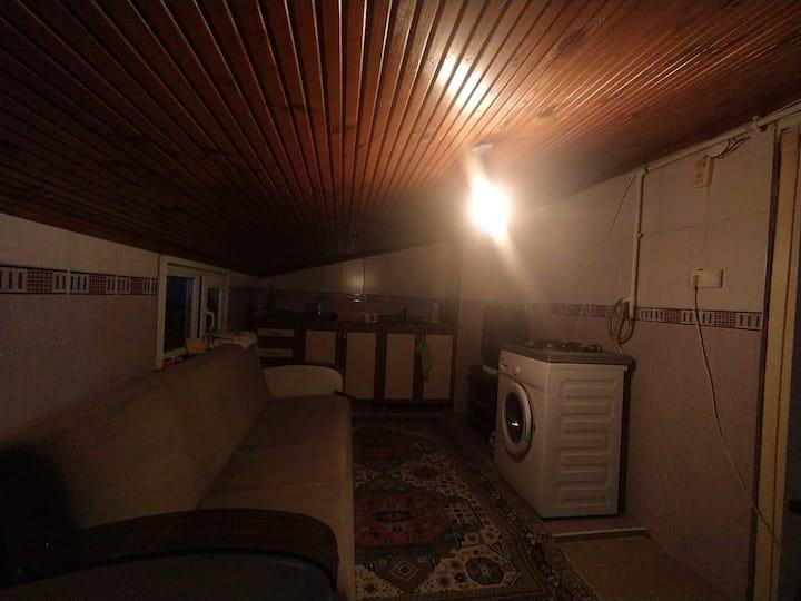 merkezi konumda samimi 2+1 eşyalı özel oda