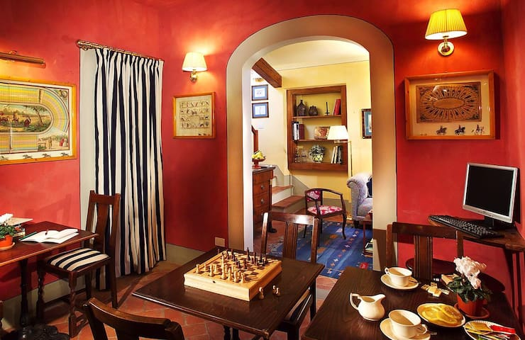 Charming room in central florence
