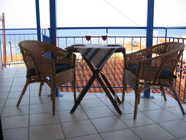 Villa Otium in Koroni, upper floor apartment - Koroni - Departamento