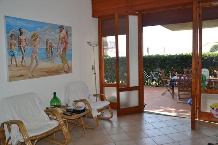 Casa con giardino di fronte al mare - Castiglione della Pescaia - Pis