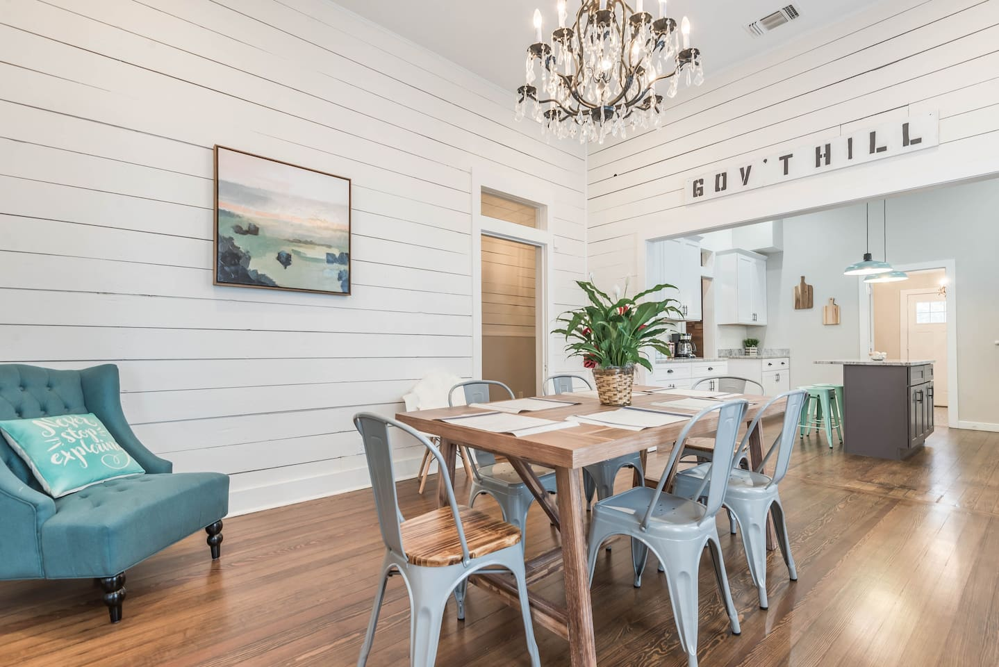 Spacious dining room for unforgettable meals with your loved ones
