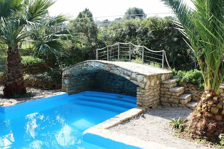 Trizonia House - Luxury-villa with seaview & pool - Trizonia