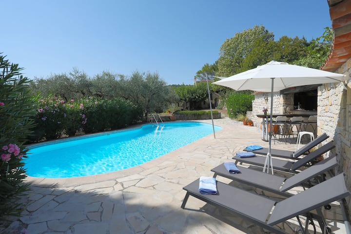 Charming 4 bedroom family house with private pool.