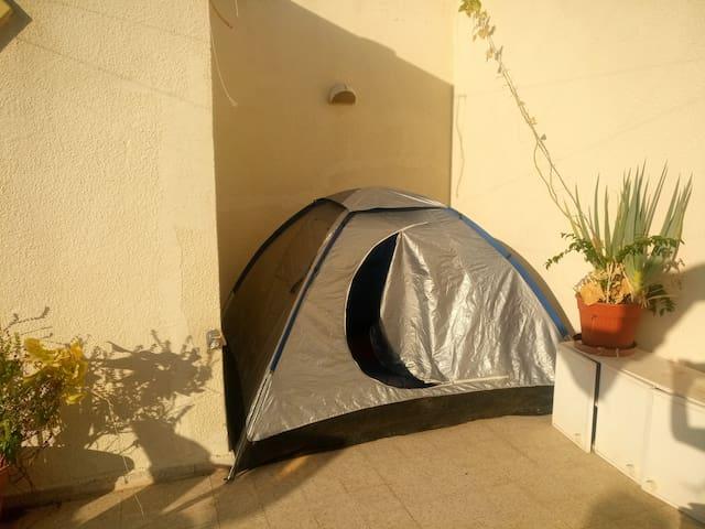 LoveHouse - Tent in the sky + breakfast