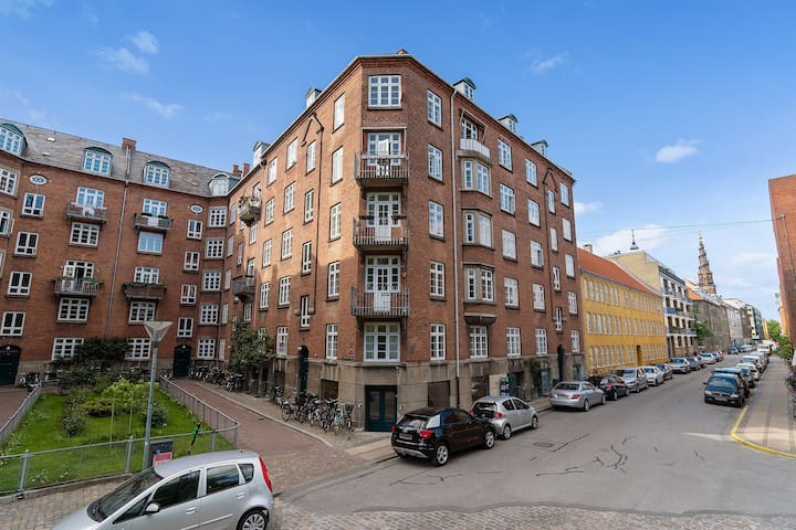 Light perfectly located apartment @ Christianshavn