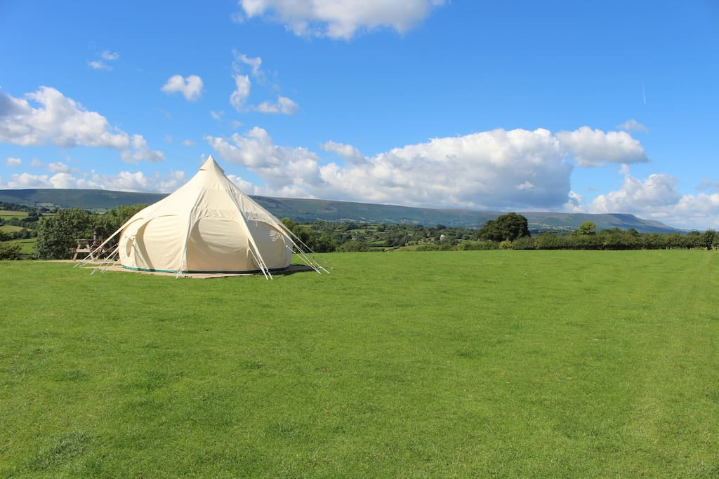 Three spacious tents, situated in a large open field with amazing countryside views. Plenty of private space to get away from it all.