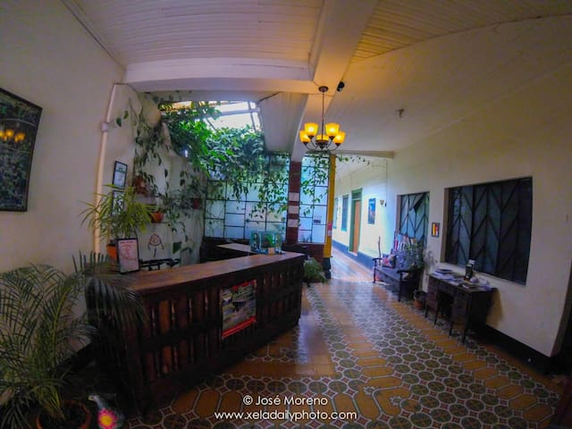 Beautiful room, private bathroom - Quetzaltenango - House
