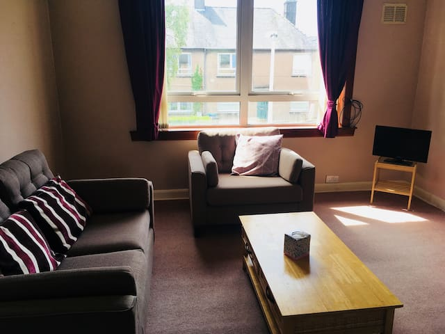 Spacious 2 bedroom apartment, central St. Andrews