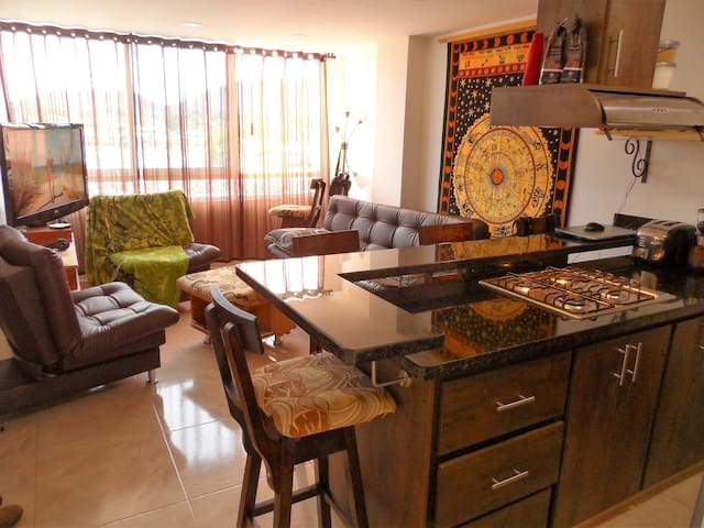 Luxury 2 Bedroom Lake View In-Town Apartment - Guatape - Apartamento