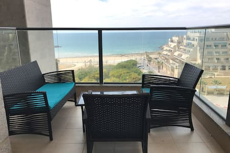 The best sea view, at the most comfortable place:) - Ashkelon - Apartament
