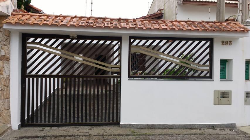 Casa Peruíbe à 200m da praia p/8 pessoas CARNAVAL