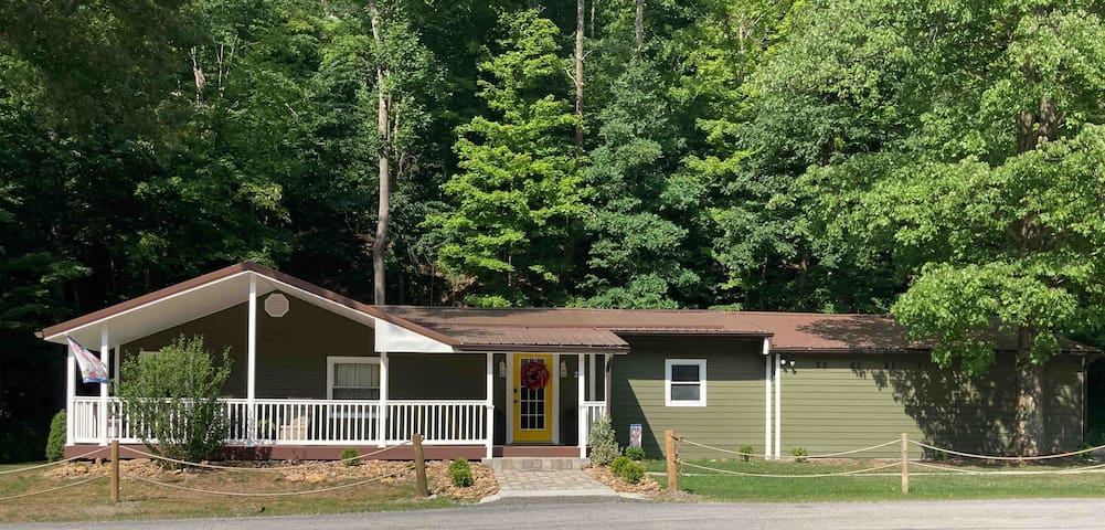 Entire Two Bedroom House - Morgantown