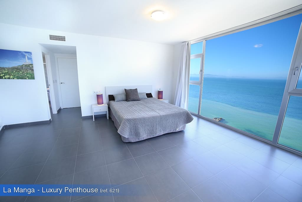 Master suite with Mar Menor view
