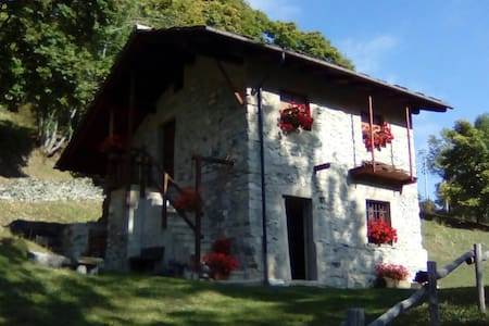 Baita Curnet, Pratorotondo - Acceglio - Hus