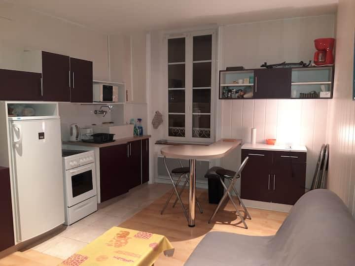 Appartement 1 chambre 50 m plage et centre ville