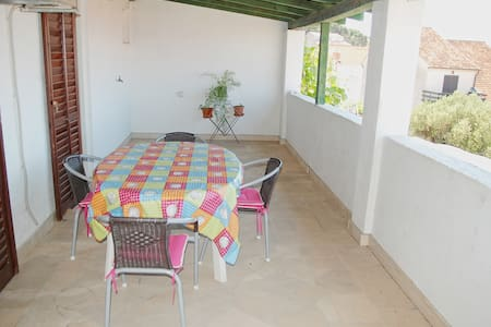 Barbecue and adorable sea view close to beach A3 - Supetar - Wohnung