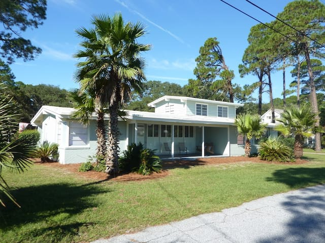 *NO GUEST SERVICE FEE* Island Breeze Georgia Home
