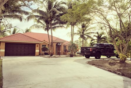 Beautiful & Spacious in #1 Polo City in the World - Lake Worth
