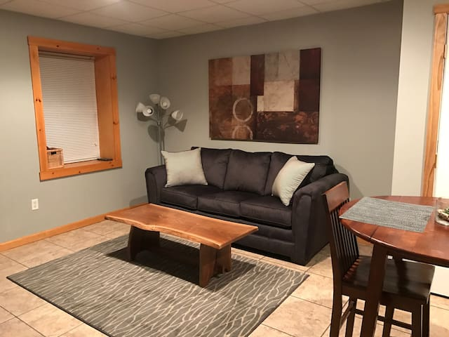 Beautiful guest suite 5 blocks from PSU campus! - State College - Huoneisto