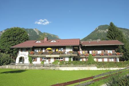 Gästehaus in einmaliger Lage - Oberstdorf