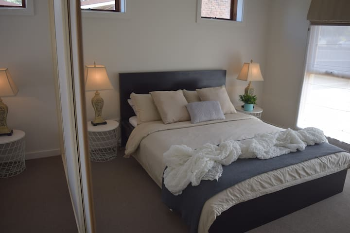 Sea breeze Retreat - Coastal Holiday Normanville