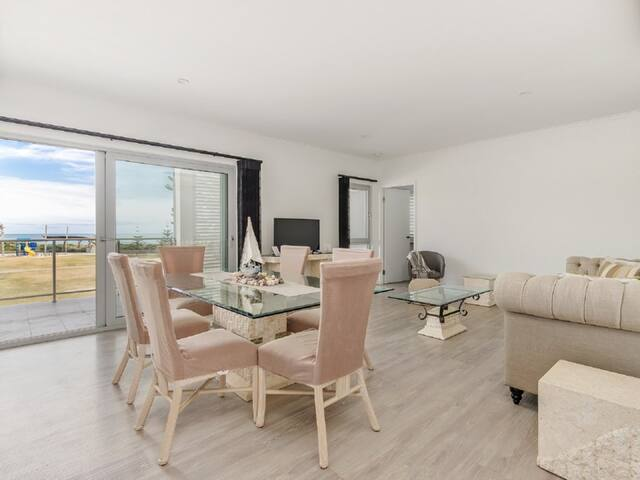 Luxury Apartment at Seascapes
